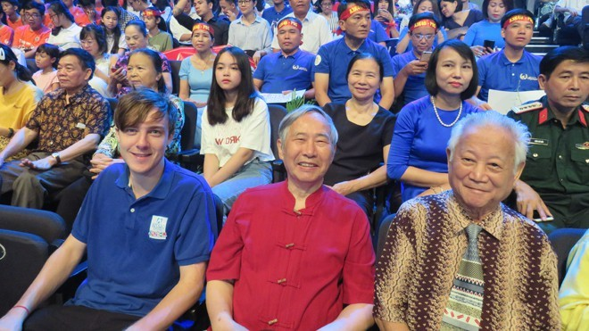 Is the Road to Olympia TV show contributing to Vietnam's brain drain?