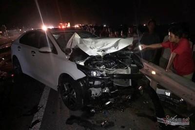 Bị ô tô đâm, 2 vợ chồng cùng con nhỏ tại Quảng Trị chết thảm