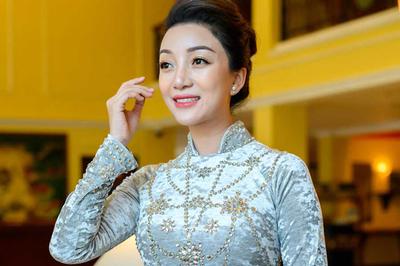 Phạm Thu Hà về Hải Phòng làm liveshow tri ân khán giả