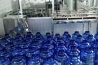 Trường học Hà Nội mua nước sạch nấu ăn cho học sinh