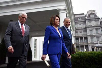 Ông Trump nổi cơn thịnh nộ, phe Dân chủ bỏ họp giữa chừng