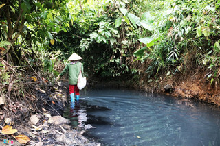 Hanoi's water pollution unable to be treated for now