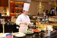 Japanese guest chef showcases the best of his home-country's cuisine in Hanoi