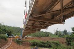 Cầu treo dân sinh giúp người dân vùng sâu, vùng xa đổi đời