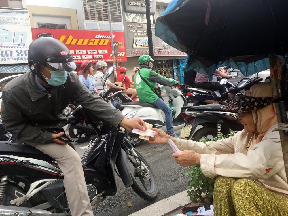 Vé số,Hoàn cảnh khó khăn,Cuộc sống Sài Gòn