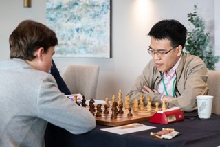 Le Quang Liem enjoys first win at FIDE Grand Swiss chess competition