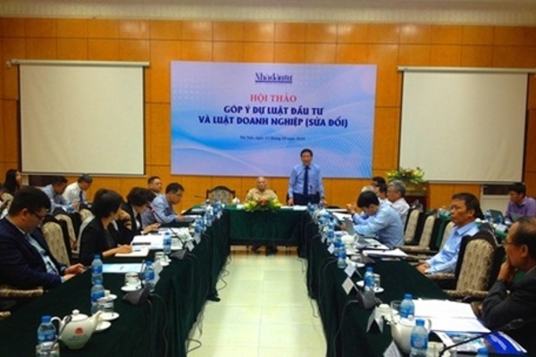 Consistent policies key to draw foreign investment into Vietnam: officials