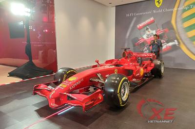 Xe đua F1 triệu đô của Ferrari gây sốt Sài Gòn