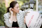 Văn Mai Hương khoe giấy đăng ký kết hôn, giấu chú rể