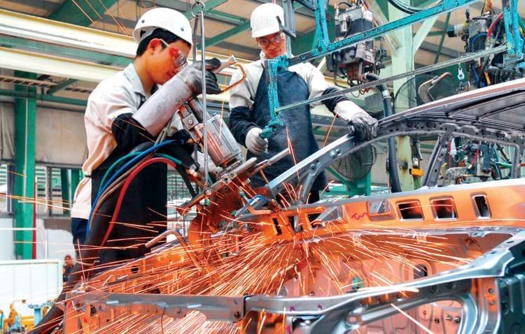Vietnam's $20 billion automobile market at risk of decline