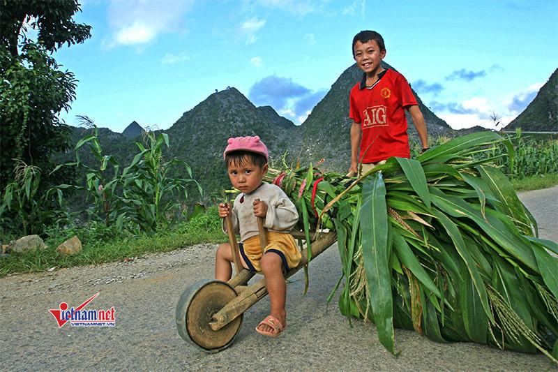 NTM Hà Giang: Bê tông hóa 2.200km đường thôn bản