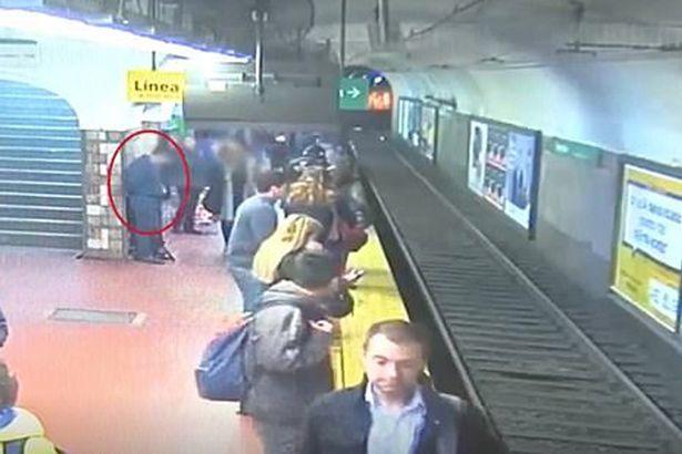 Tai nạn,tàu điện ngầm,hành khách,phụ nữ,may mắn,sống sót,Argentina