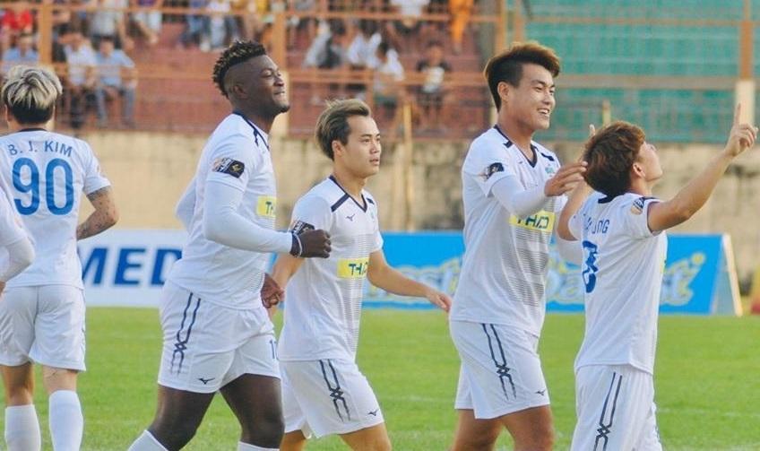 Vòng 25 V-League: Chạy trốn suất xuống hạng