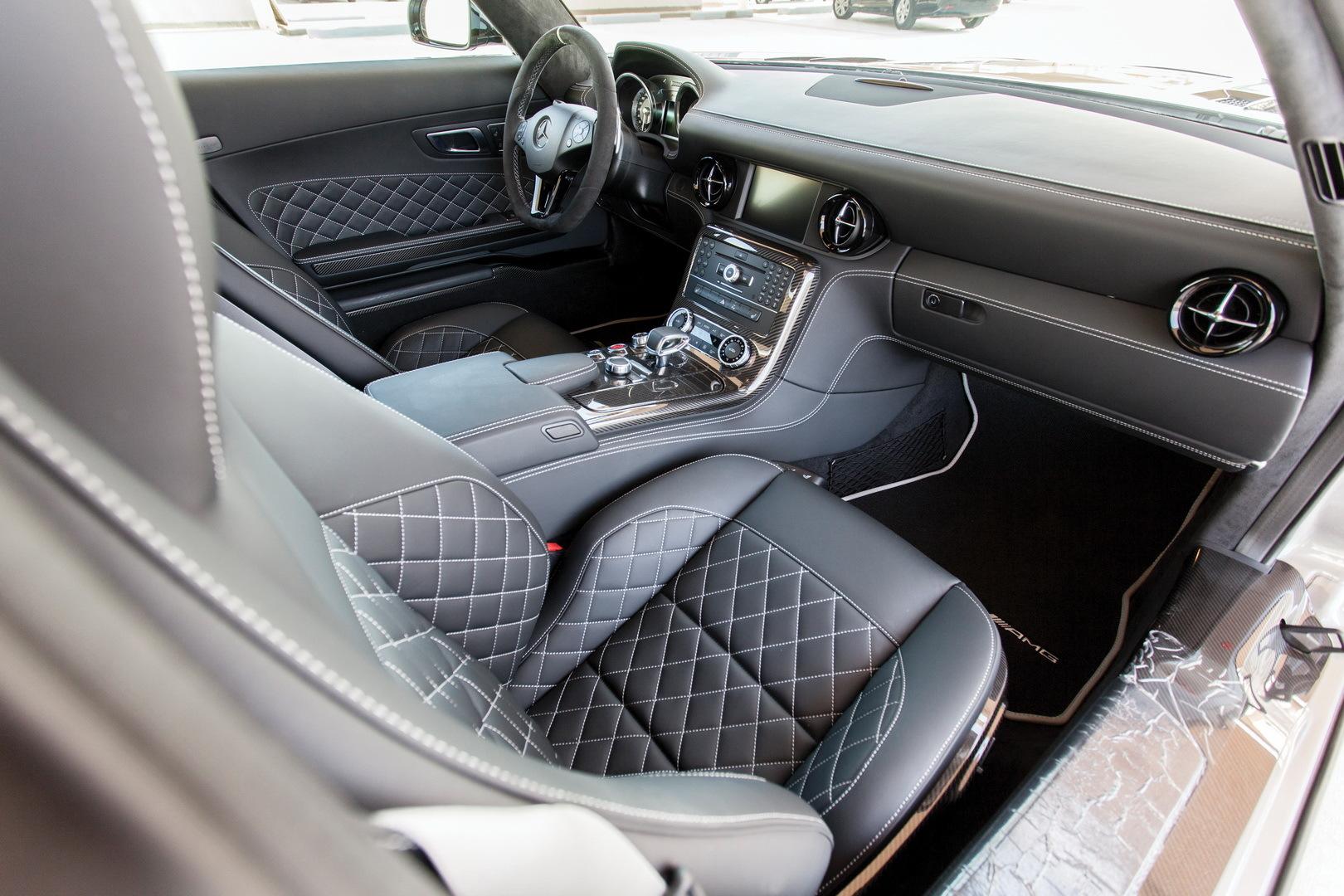 Xe cũ hàng hiếm của Mercedes-Benz rao giá gần 10 tỷ