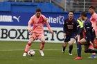 Eibar vs Barca: Bữa tiệc tấn công
