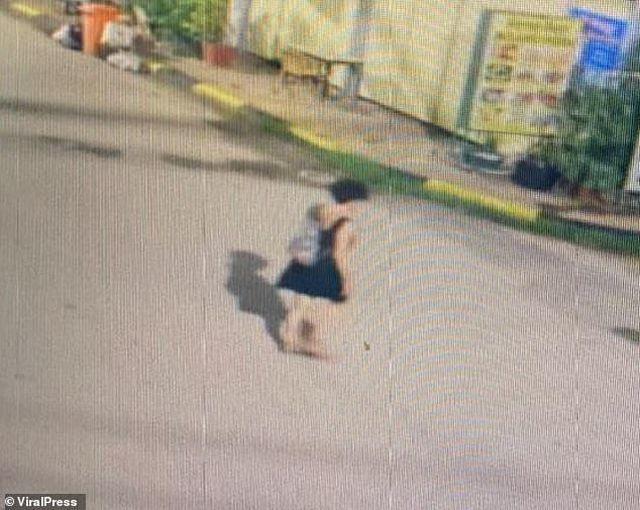 Nữ du khách uống say bị cưỡng bức tập thể