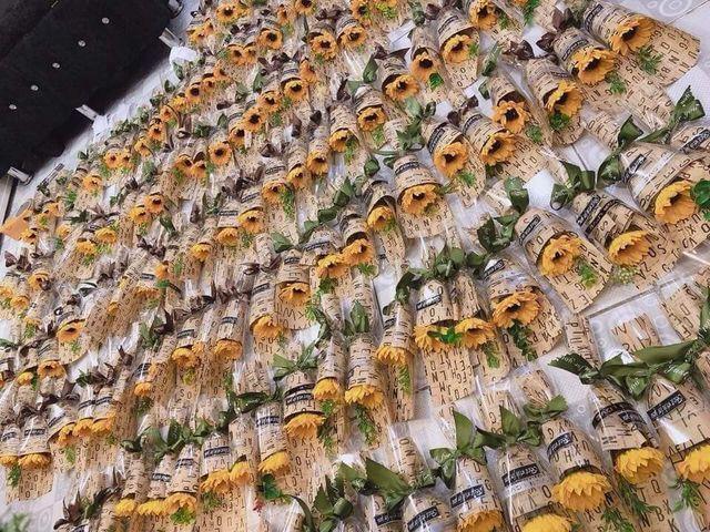 Bán hoa tự gấp lãi 30 triệu đồng mùa kinh doanh 20/10