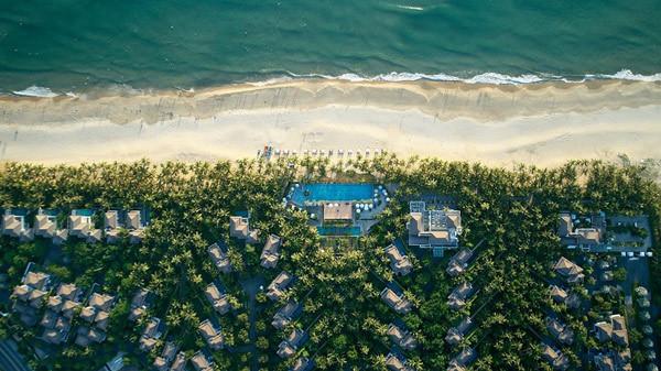"Premier Village Danang named ""Southeast Asia Luxury Family Beach Resort"" again"