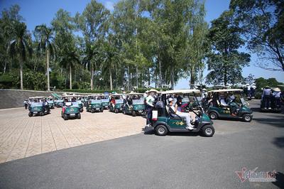 Rộn ràng khởi tranh giải golf VCG500
