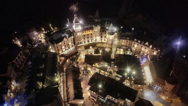 Đẹp ngỡ ngàng 'Khách sạn sang trọng hàng đầu châu Á cho kỳ nghỉ trăng mật'