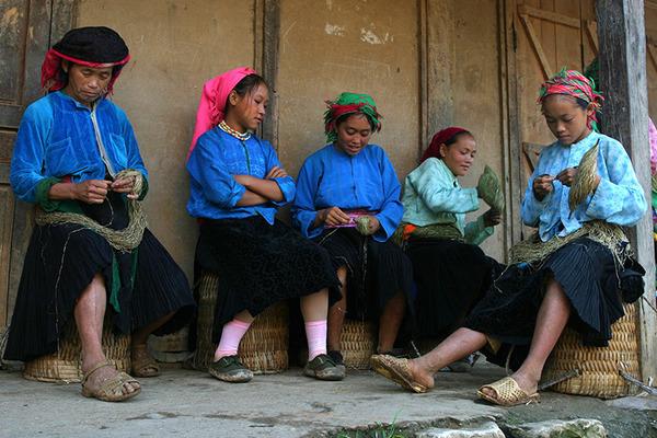 Chương trình giảm nghèo cho đồng bào dân tộc cần gắn với đào tạo nghề