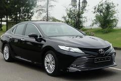 Bán 'bia kèm lạc', Toyota Camry 2019 chênh giá 50-100 triệu đồng