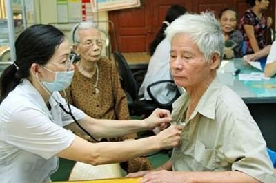 Chăm sóc sức khỏe cho người cao tuổi là nhiệm vụ trọng tâm trong phát triển đất nước