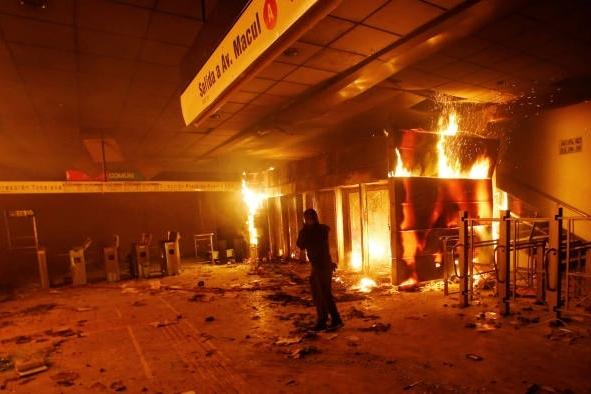Chile ban bố tình trạng khẩn cấp