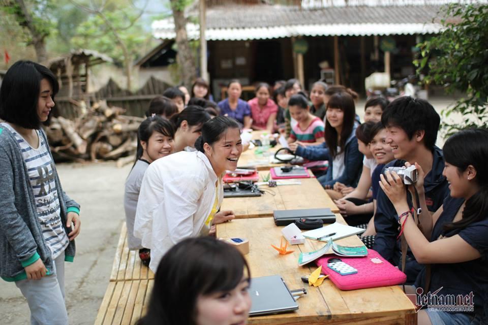 Cô gái Thái giúp nhiều người tàn tật thoát nghèo ngoạn mục
