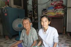 Người mẹ nghèo gửi con 4 tuổi cho người lạ, 15 năm sau bất ngờ cuộc trở lại
