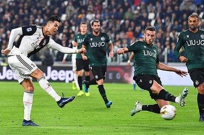 Ronaldo tỏa sáng, Juventus vững ngôi đầu