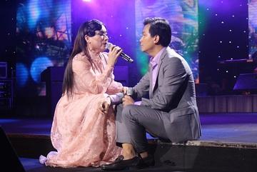 Phi Nhung liên tục đòi Mạnh Quỳnh cưới