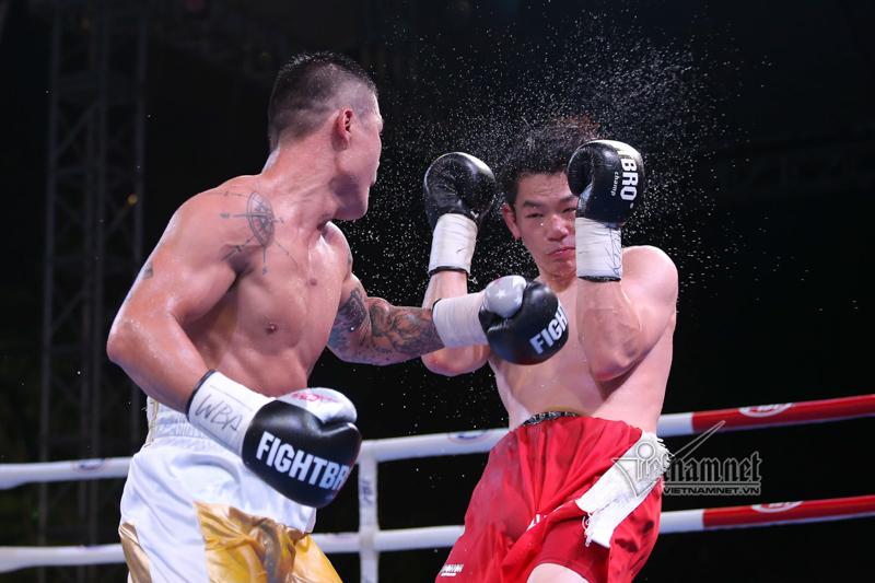 Trương Đình Hoàng giành chức vô địch lịch sử cho quyền anh Việt