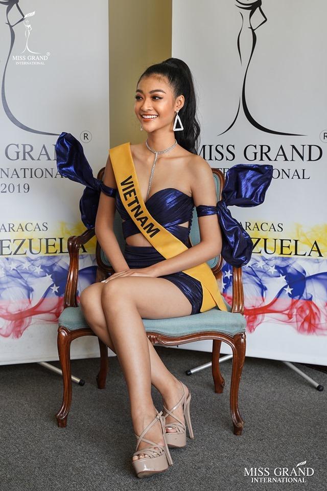 Á hậu Kiều Loan lên tiếng chuyện lấn át thí sinh ở Hoa hậu Hòa bình 2019