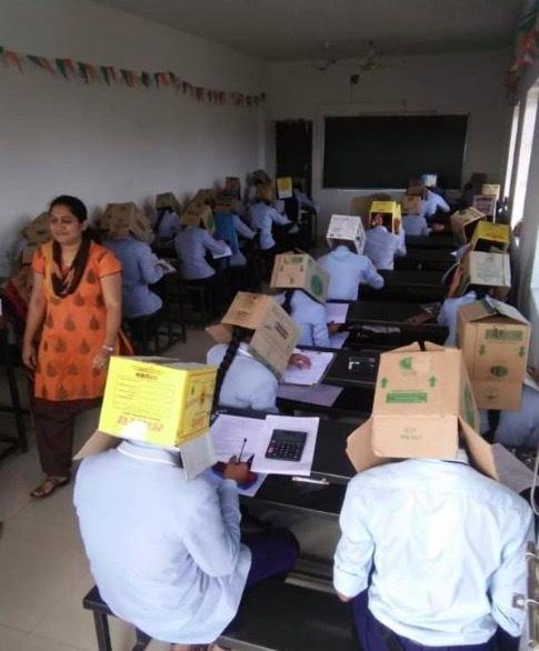 Ấn Độ,sinh viên,chống quay cóp,gian lận thi cử