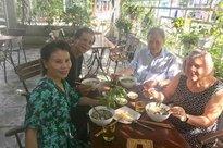 Bố mẹ Kim Lý tiếp tục thăm nhà Hồ Ngọc Hà, tình thông gia chính thức kết duyên?