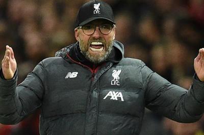 Klopp cay MU sau khi Liverpool suýt thua ở Old Trafford