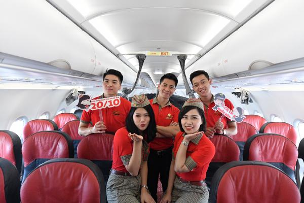 Điều ngọt ngào Vietjet dành tặng hành khách nữ trên độ cao 10.000 mét