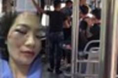 Nhắc không nói tục, nữ phụ xe buýt bị 4 thanh niên đánh bầm giập mặt đúng ngày 20/10