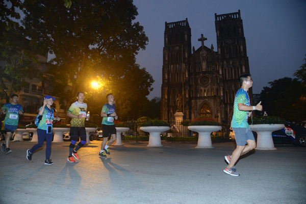 VPBank Hanoi Marathon 2019 - VĐV Việt Nam ghi dấu ở mọi cự ly