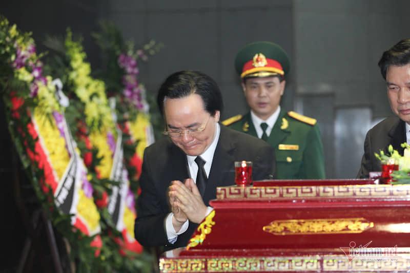 Hàng nghìn người đưa tiễn Thứ trưởng Lê Hải An