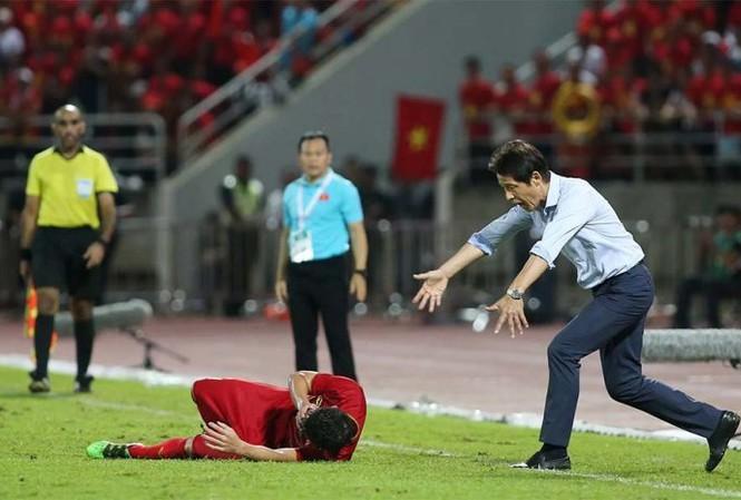 HLV Thái Lan dùng chiêu trò, thầy Park đáp trả cực gắt