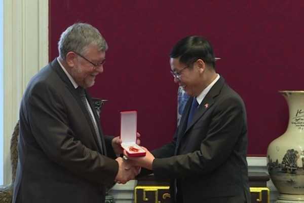Friendship order conferred upon Belgian association