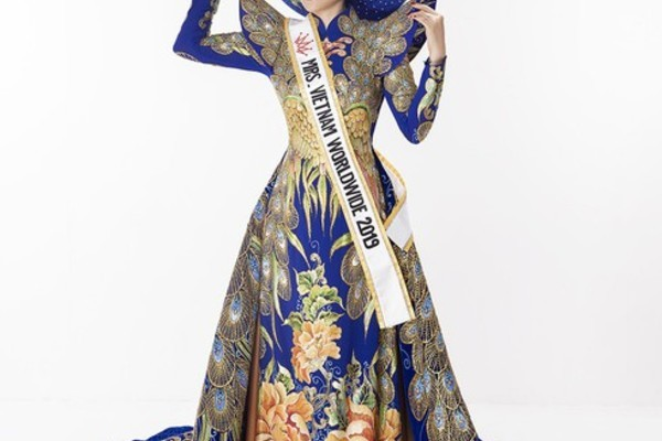 Vietnam's Hoang Hat named as winner of Miss Congeniality sub-title