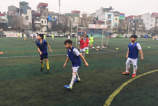 Vietnamese Education Ministry wants textbooks for physical education, but teachers say no