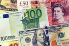 Tỷ giá ngoại tệ ngày 23/10, USD tăng trở lại, bảng Anh vẫn trên đỉnh