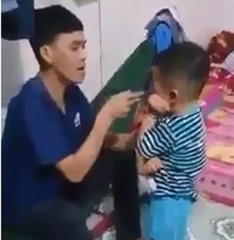Làm rõ vụ Facebooker Đàm Vĩnh Hưng nghi kích động vụ cha đánh con
