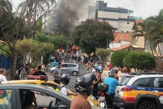 Máy bay rơi xuống đường ở Brazil, 3 người thiệt mạng