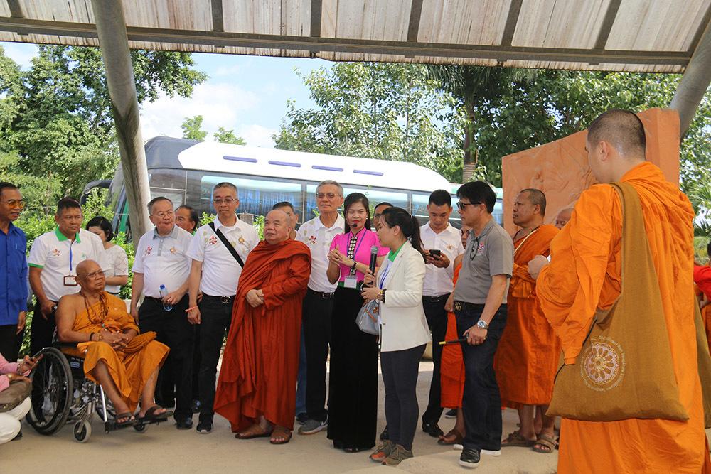Đoàn nhà sư hành hương 5 quốc gia tới Việt Nam