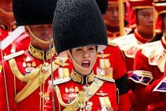 Hoàng quý phi Thái Lan bị tước mọi danh hiệu